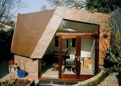 Eco-friendly summer house build