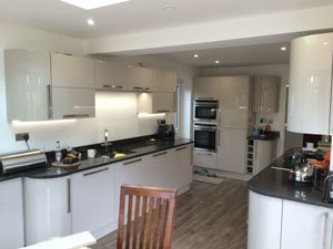 A kitchen and dining room extension in East Grinstead